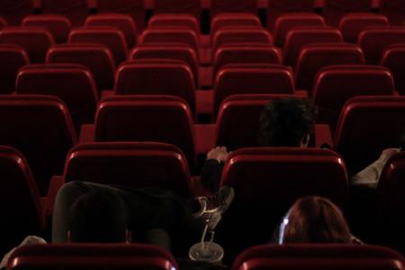 Los espectadores han hablado y AMC da marcha atrás: no permitirá móviles en sus cines