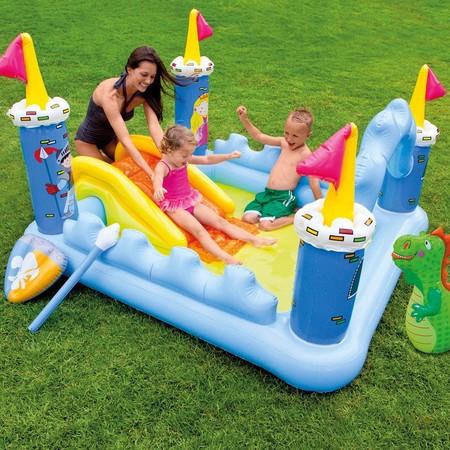 Ideas de juegos para ni os divertidos y refrescantes para for Como hacer un cubre piscinas