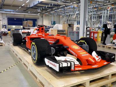 Casi 350.000 piezas de Lego dan vida a este impresionante coche Ferrari de Fórmula 1 a escala real