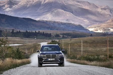 BMW X7 frontal