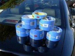 """Cómo """"pintar"""" un coche con cinta de embalaje"""