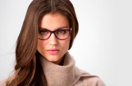 Las nuevas gafas de Amichi en Opticalia: cómo lograr el look de trabajo perfecto