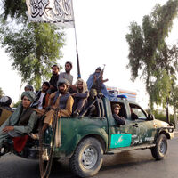 72.000 vehículos, 350.000 rifles, 100 helicópteros: todo lo que se han quedado los talibanes de EEUU