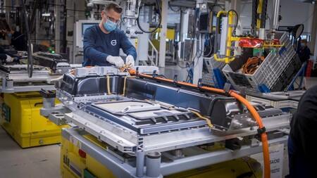 La producción mundial de baterías para coches eléctricos aumenta un 154% en 2021, con el gigante chino CATL a la cabeza