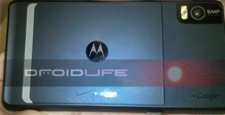 La renovación del Motorola Droid pasa su primera toma de contacto