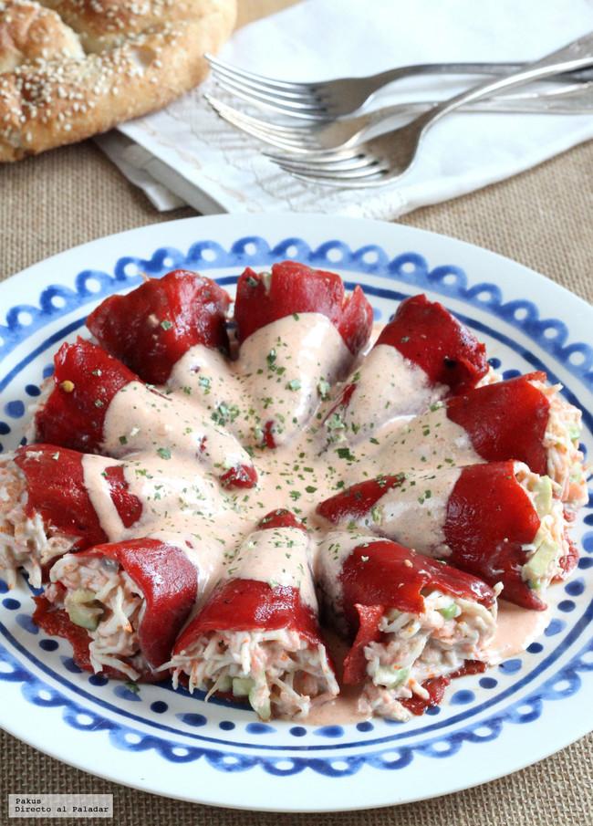 pimientos rellenos de salmón, aguacate y cangrejo