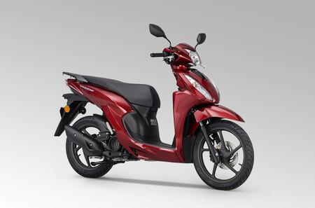 El Honda Vision 110 se renueva con más tecnología pero los mismos 9 CV para seguir siendo siendo el scooter más barato de Honda