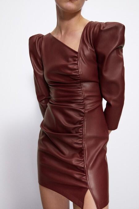 Zara tiene los vestidos más bonitos para lucir 24 horas al día, con looks de día y de noche