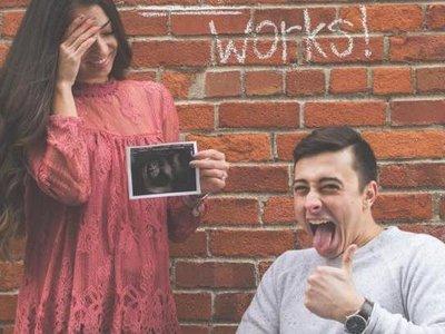 El divertido anuncio de embarazo que se ha hecho viral por su historia detrás de la foto