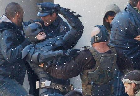 Batman y Bane dándose de hostias