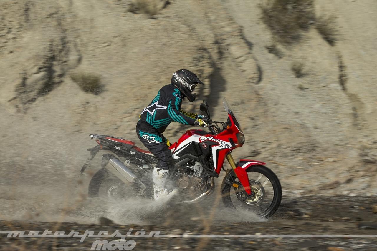 Foto de Honda CRF1000L Africa Twin offroad (3/14)
