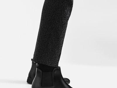 ZARA reinterpreta la bota chelsea en tres modelos perfectos para las fiestas