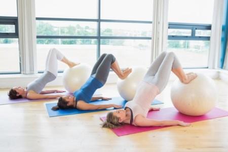 3 ejercicios de glúteo que puedes hacer sin equipo