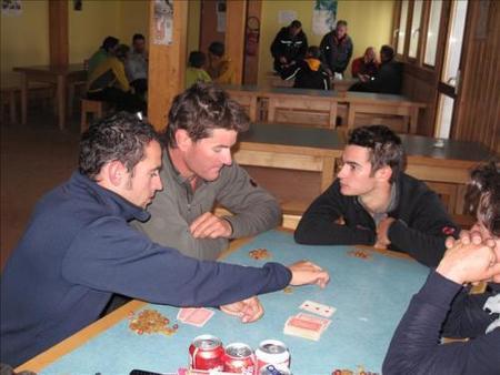 Dani Pedrosa, Marc Coma y Héctor Barberá ascendiendo el Mont Blanc