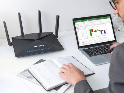 El nuevo Nighthawk X10 de Netgear viene con lo último en WiFi AD de hasta 7,9 Gbps y  Ethernet a 10 Gbps