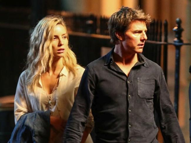 Tom Cruise y Annabelle Wallis