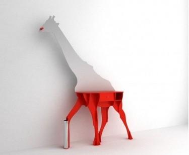 Una jirafa, el mueble perfecto para el recibidor