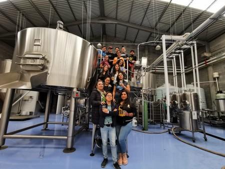 Mujeres mexicanas y estadounidenses trascienden fronteras y crean una cerveza colaborativa