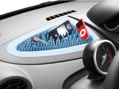 La solución de Renault para dejar los gadgets en el coche