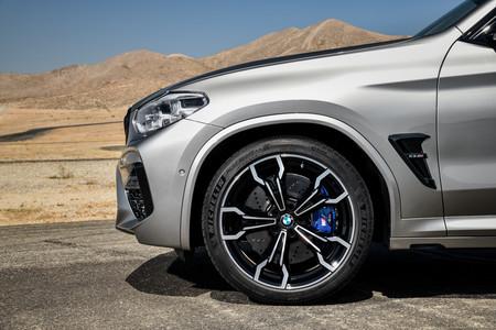 BMW X3 M 2020 llanta delantera