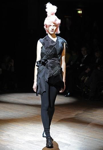 Foto de Comme des Garçons, Primavera-Verano 2010 en la Semana de la Moda de París (2/14)