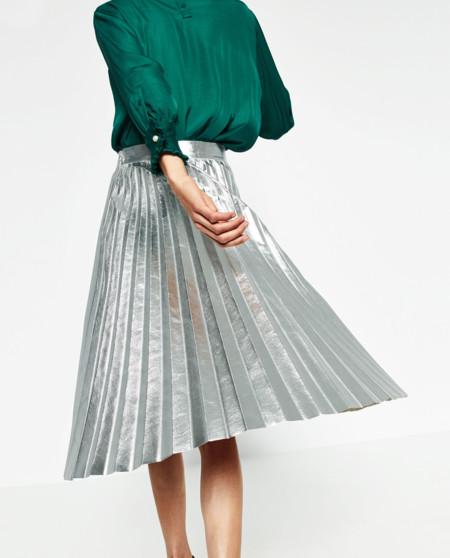 6fe51166b Las 15 faldas midi de Zara que desearás tener en tu armario