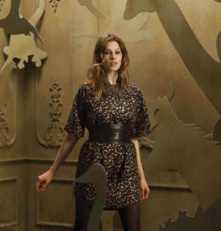 Hoss Intropia Catálogo de invierno: vestido estampado