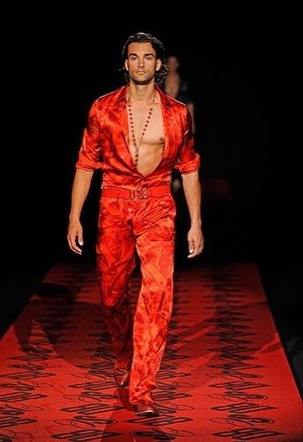 Dirk Bikkembergs, Primavera-Verano 2010 en la Semana de la Moda de Milán