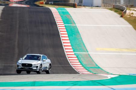 Jaguar I-PACE en circuito
