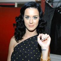 Trucos de belleza para ir de fiesta según las celebrities: peinados y maquillaje para esta Navidad