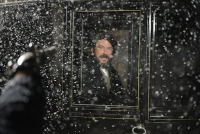 TVE estrena el lunes 15 de diciembre 'Prim, el asesinato de la calle del Turco'