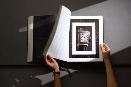 Reverso El Libro Que Debela La Historia Y El Lujo De Una Iconica Pieza De La Relojeria 08