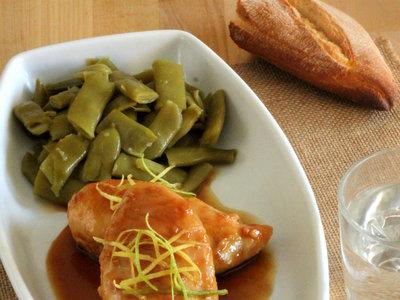 Pechugas de pollo glaseadas con miel y limón. Receta fácil y rápida