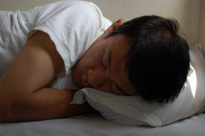 Patrones de sueño inadecuados alteran las hormonas del hambre