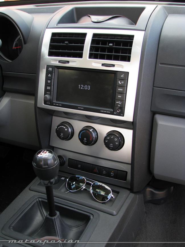 Foto de Dodge Nitro (prueba) (22/26)