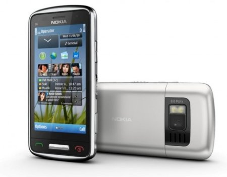 El Nokia C6 se deja el teclado por el camino