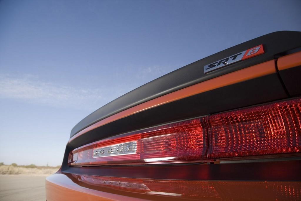 Foto de Dodge Challenger SRT8 (61/103)