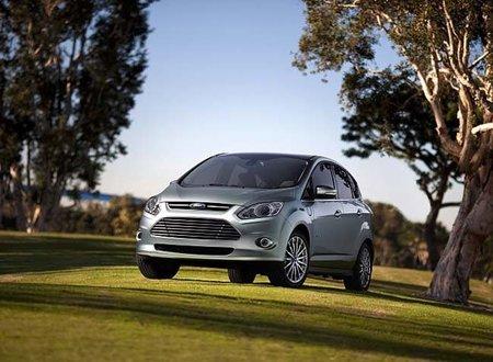 Ford triplicará la capacidad de producción de híbridos, híbridos enchufables y eléctricos para el 2013