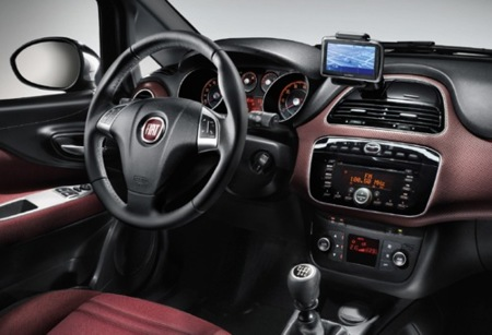 Fiat Punto Evo incluye Blue & Me de TomTom