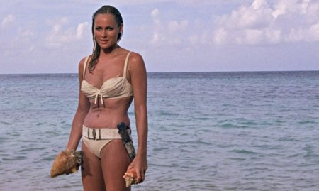 Ursula Andress en James Bond contra el doctor No