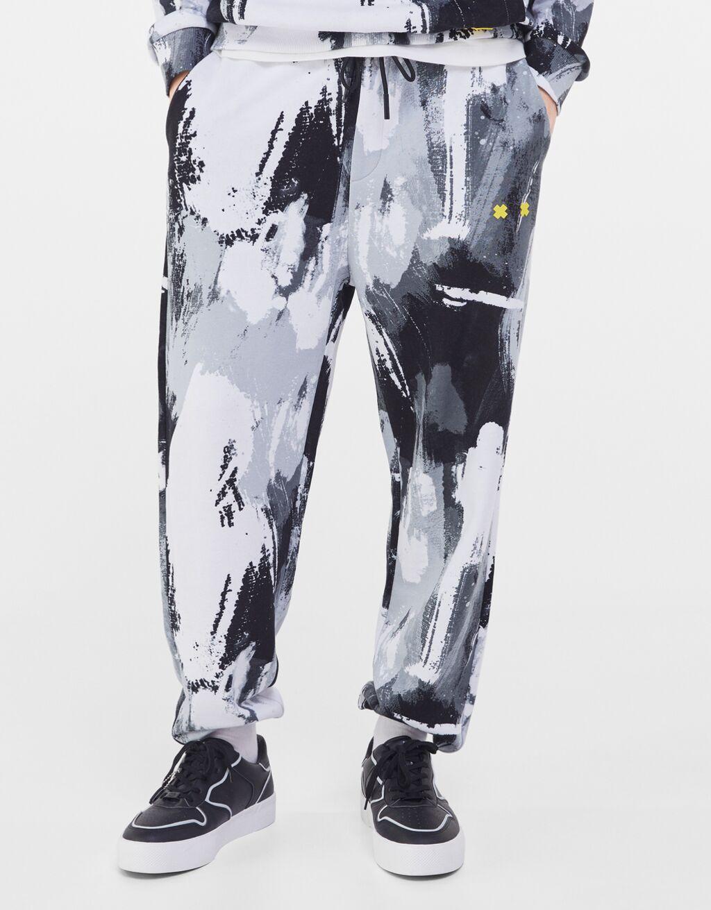 Pantalón print de Bershka