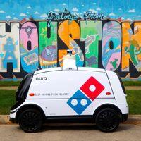 Domino's repartirá pizzas en un coche autónomo: así funcionará el servicio con R2, el robot que hará las entregas en Houston