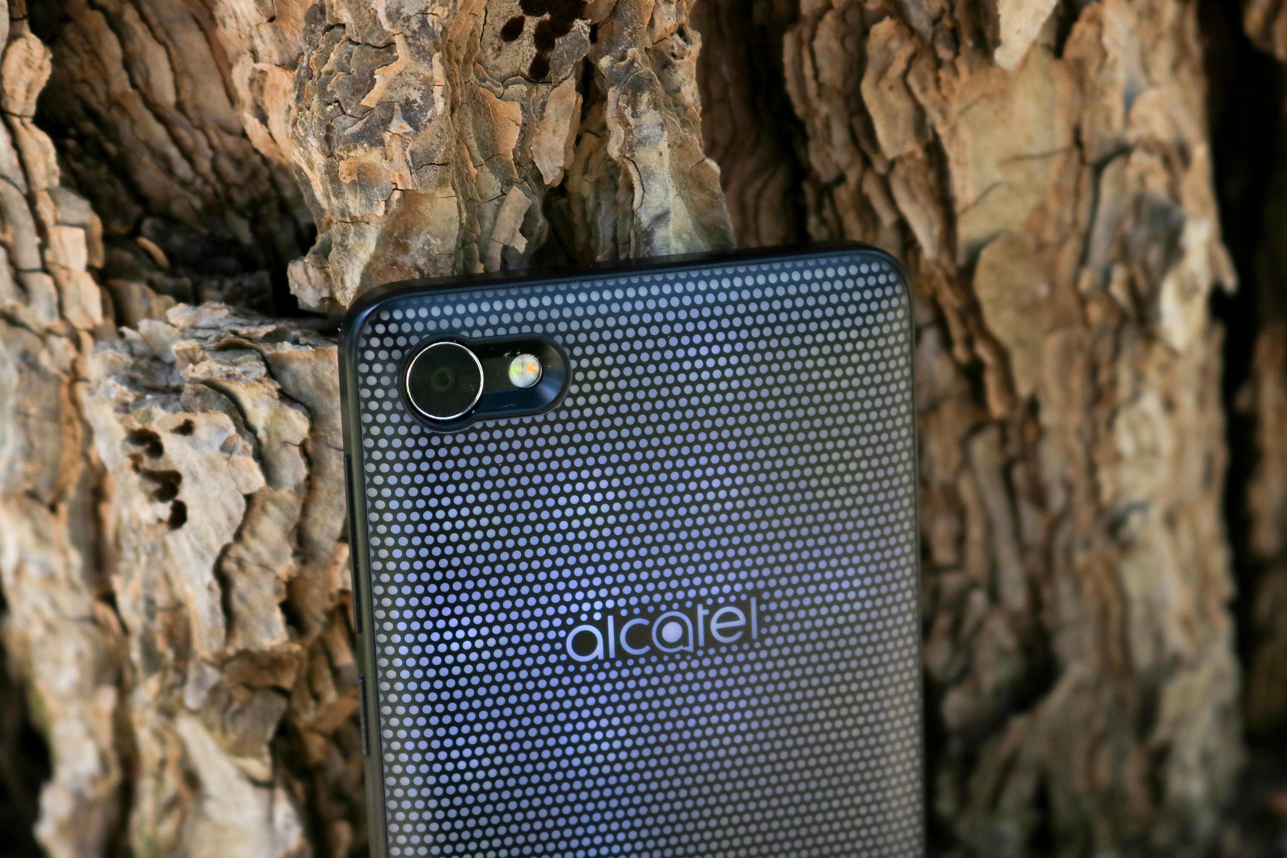 Foto de Diseño Alcatel A5 LED (27/53)