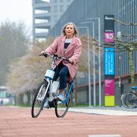 Así es la bicicleta eléctrica con asistencia de dirección inteligente que quiere evitar las caídas de los ciclistas