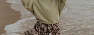 La minifalda estampada puede ser la clave de nuestros looks de entretiempo: fichamos cinco modelos muy versátiles