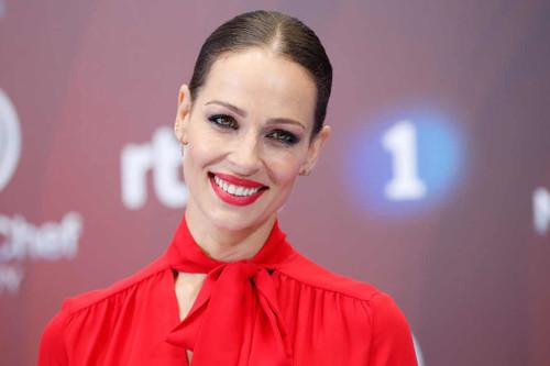 Eva González imponente de rojo para presentar la nueva edición de Masterchef Celebrity