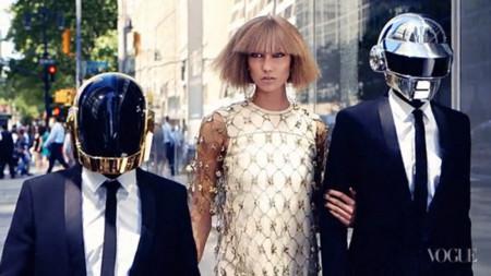 Karlie Kloss también baila con Daft Punk para Vogue