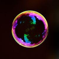 ¿Cómo es la subida de Bitcoin frente a la burbuja inmobiliaria española?