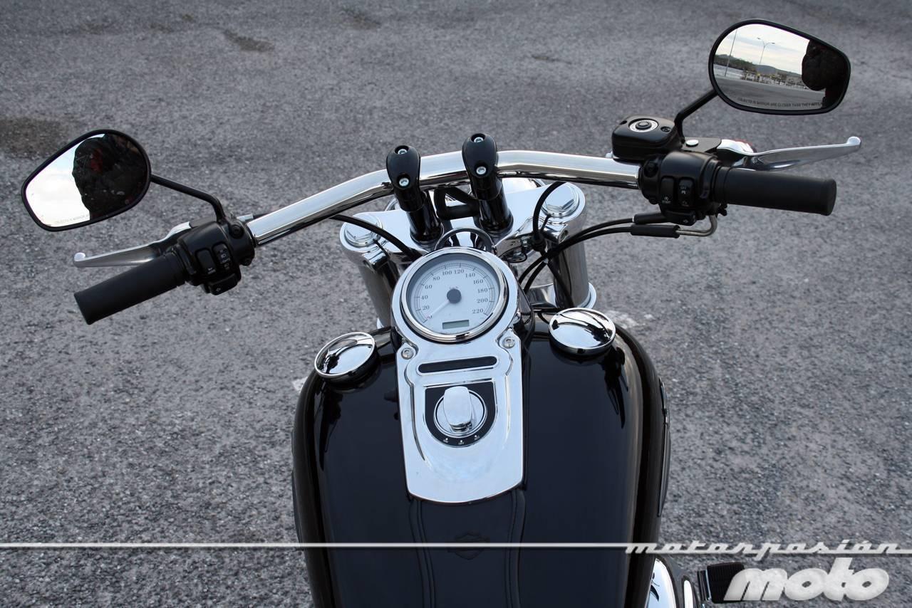 Foto de Harley Davidson Dyna Fat Bob, prueba (8/21)