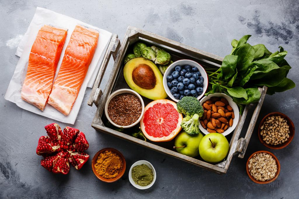 Dieta antiinflamatoria para proteger la salud: estos son los alimentos que la componen y las claves para llevarla a cabo
